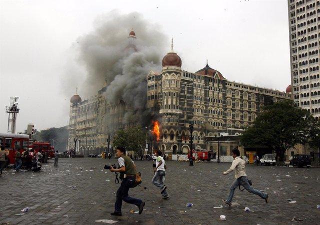 Ola De Atentados En Hoteles Y Otros Edificios En Bombay En 2008