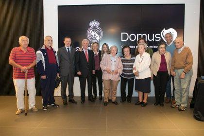La Fundación Real Madrid y DomusVi renuevan su programa para promover el envejecimiento activo en residencias