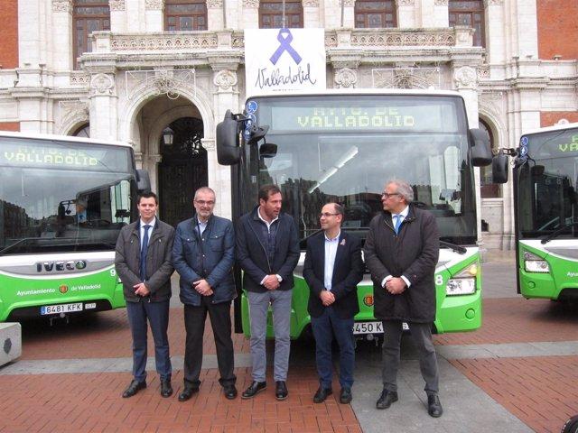 Presentación de los nuevos autobuses de Auvasa
