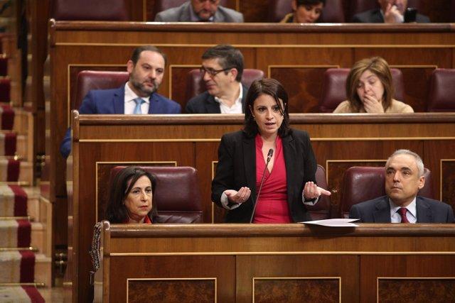 Adriana Lastra en la sesión de control al Gobierno en el Congreso