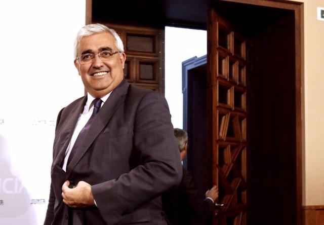 El consejero de Economía y Conocimiento de la Junta, Antonio Ramírez de Arellano