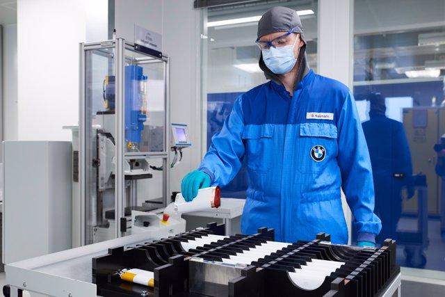 Imágenes del nuevo centro de baterías eléctricas del BMW