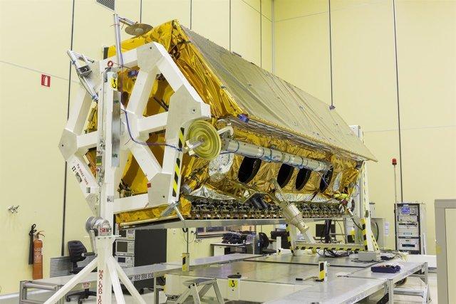 Satélite PAZ en las instalaciones de Airbus antes de su lanzamiento