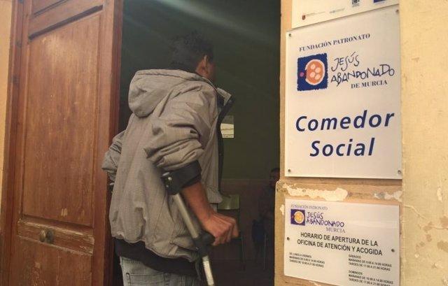 Comedor social Jesús Abandonado, atención personas sin hogar