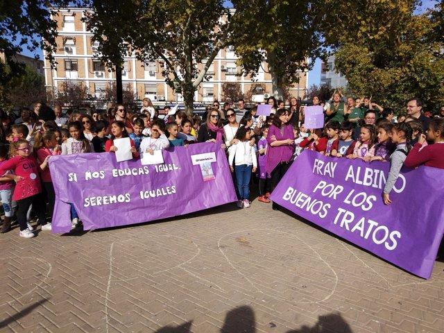 Ruiz (centro) participa en uno de los actos organizados