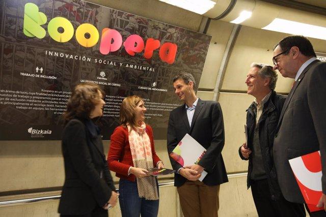 Muestra fotográfica de Koopera en Metro Bilbao