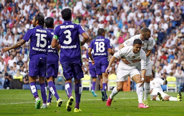 El Real Madrid gana al Málaga en el Bernabéu