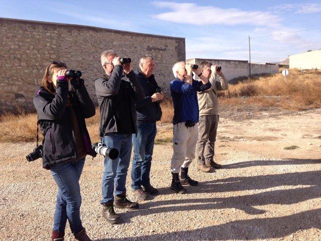 Agencias de viaje de Londres visitan las rutas ornitológicas de Aragón