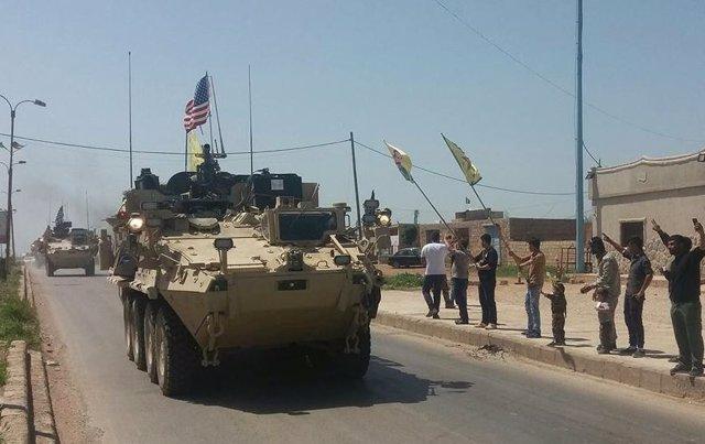 Blindados de EEUU en el norte de Siria