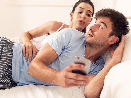 Las nuevas tecnologías han causado un descenso en el contacto de las parejas