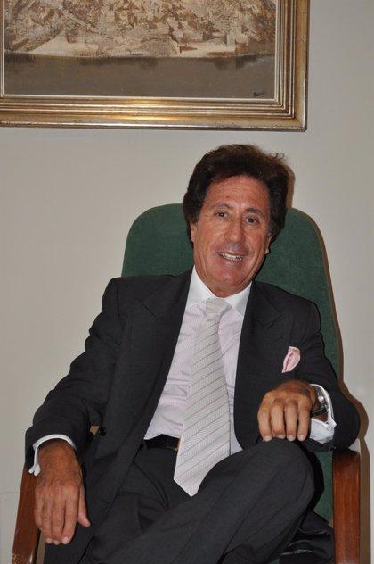 La Real Academia Nacional de Medicina ha nombrado Académico Electo al profesor Arturo Fernández-Cruz