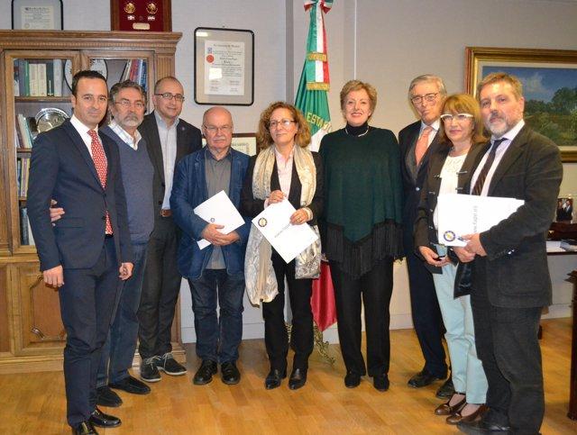 La embajadora de México en España Roberta Lajous con periodistas en Madrid