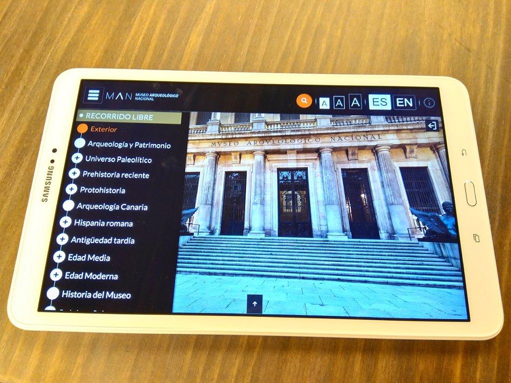 Resultado de imagen para tablet + visitar museos