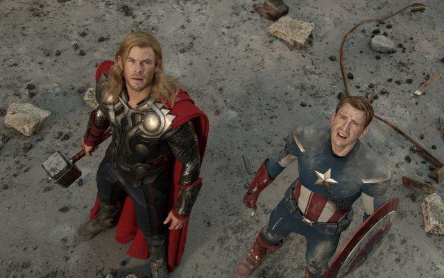 Capitán América y Thor en Civil War