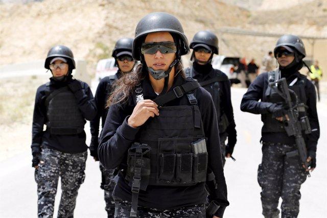 Miembros del equipo de mujeres policías de Jordania
