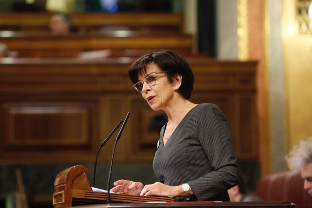 La diputada del PSOE Lola Galovart