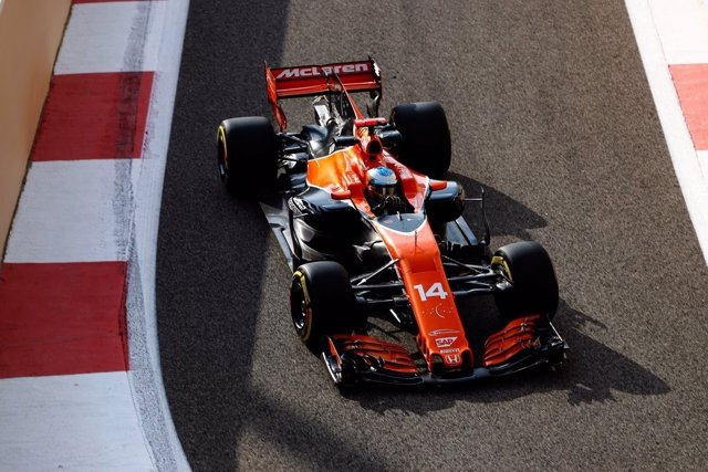 Fernando Alonso en el test de Yas Marina