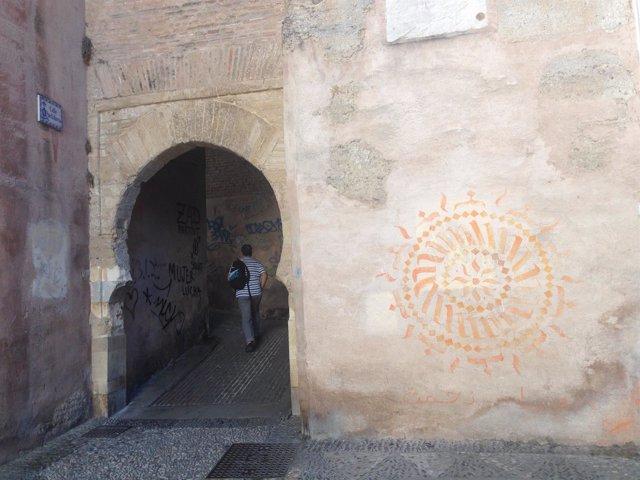 Graffitis/ Pintadas en el Albaicín, Granada