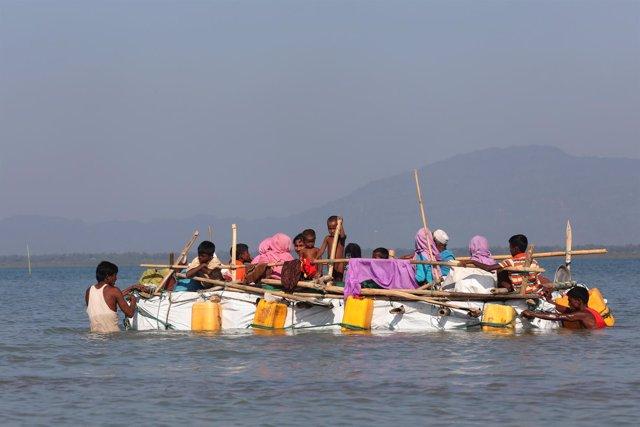 Embarcación con refugiados rohingya