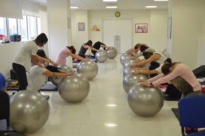 Practicar Pilates en el embarazo reduce la probabilidad de cesáreas y partos provocados, según estudio de QuirónSalud