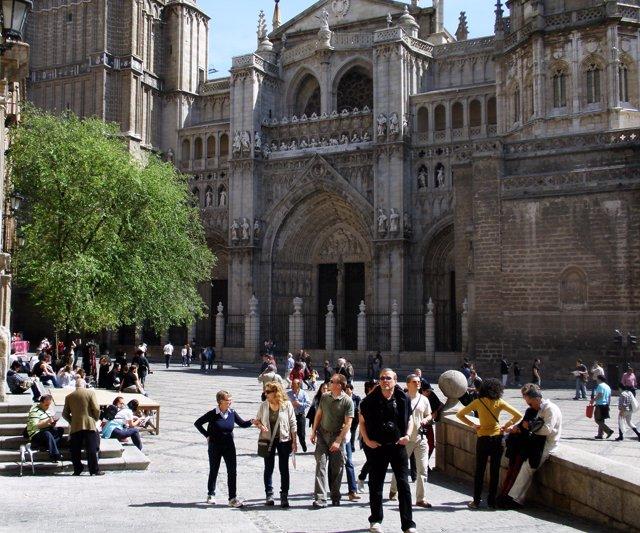 Turistas de visita en Toledo