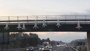 Foto: Los Mossos retiran del puente de la C-17 los muñecos con siglas de Cs, PSC y PP