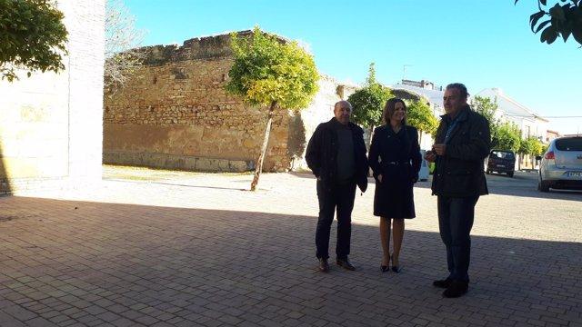Visita institucional de la delegada de la Junta a Lahiguera.