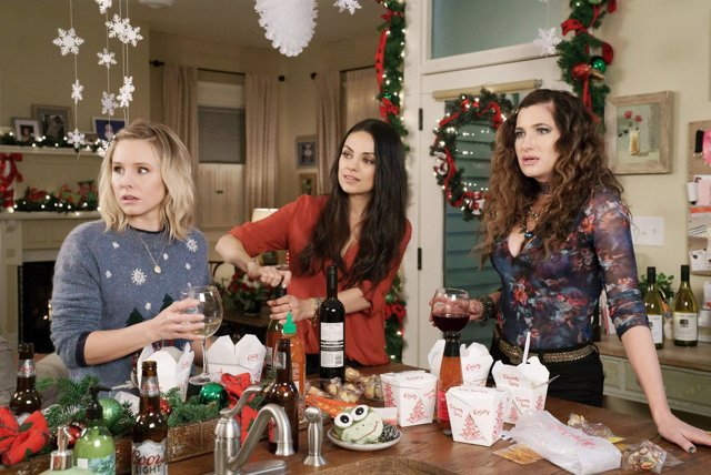 A BAD MOMS CHRISTMAS, l-r: Kristen Bell, Mila Kunis, Kathryn Hahn, 2017. Ph: Hil