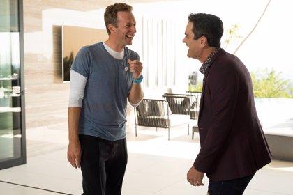 El divertido cameo de Chris Martin, cantante de Coldplay en Modern Family