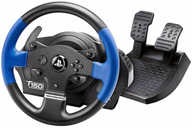 Un volante para la Play Station 4, primera compra del año en Amazon.Es