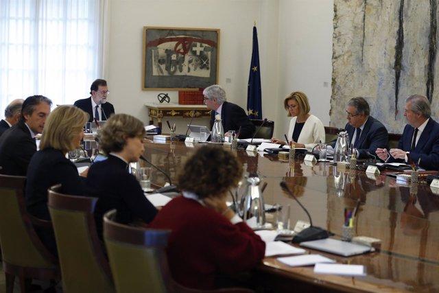 Rajoy preside el Consejo de Ministros para activar el artículo 155 en Cataluña