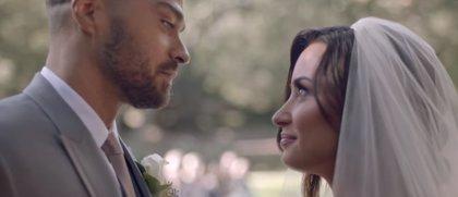La emotiva boda de Demi Lovato en 'Tell me you love me', su nuevo videoclip