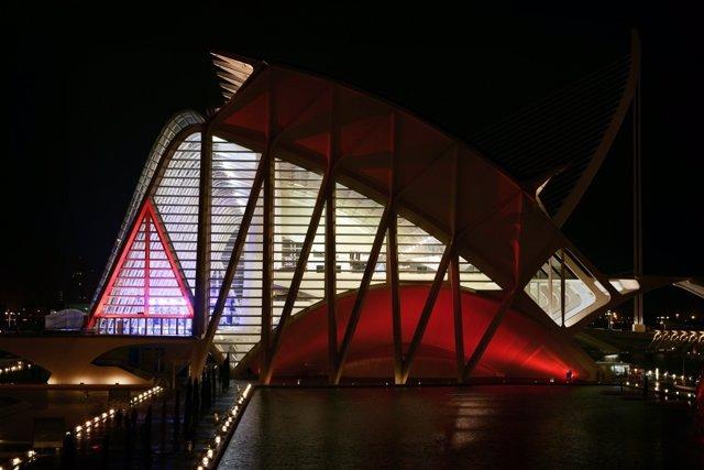 Panorámica nocturna de la Ciudad de las Artes y las Ciencias