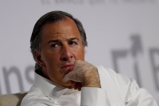 FILE PHOTO - Mexican Finance Minister Jose Antonio Meade attends a conference ma