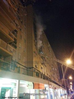 Incendio en una vivienda de la calle Carlos Marx de Sevilla capital