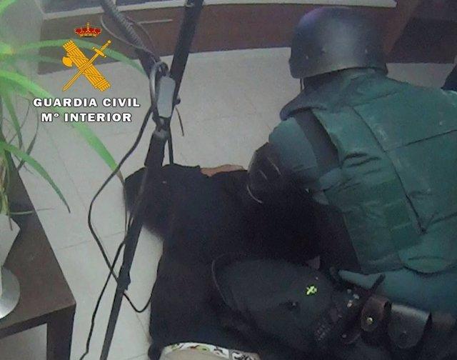 Rdo. Nota De Prensa Guardia Civil (Desmantelado Un Punto De Venta De Cocaína En