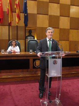 El alcalde de Zaragoza, Pedro Santisteve, en el debate.