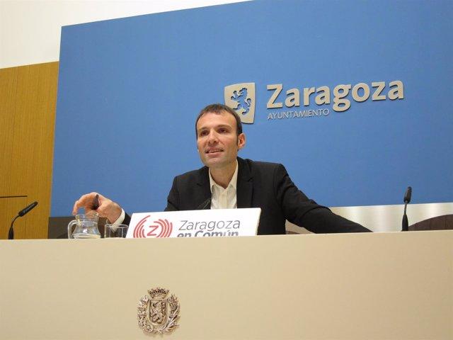 El portavoz del grupo de Zaragoza en Común en el Ayuntamiento, Pablo Muñoz.