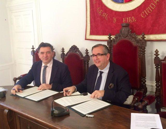 Cuevas y Martínez Portillo firman el acuerdo