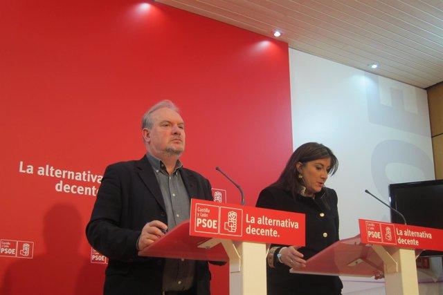 Sánchez junto a Martín comparecen ante los medios