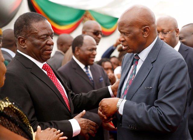 El presidente de Zimbabue, Emmerson Mnangagwa, constituye su Gobierno