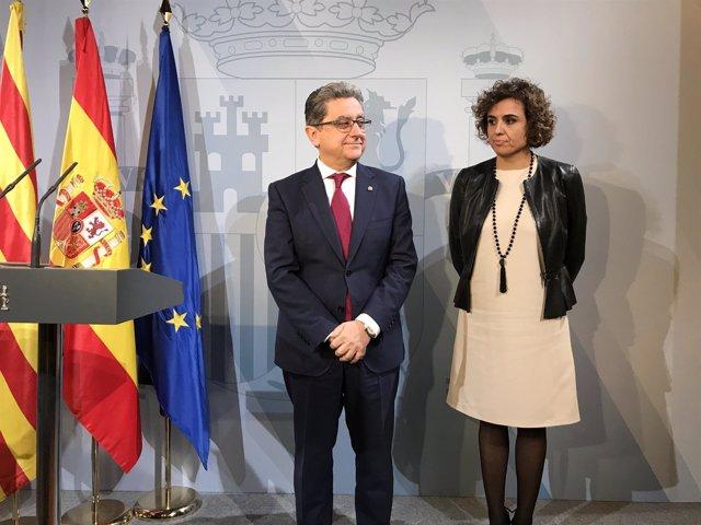 El delegado del Gobierno, Enric Millo, y la ministra Dolors Montserrat