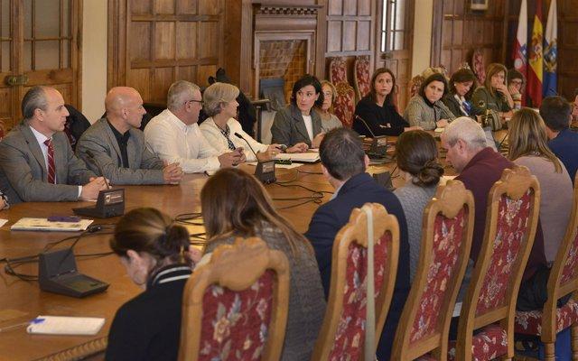 Igual preside la reunión del Pacto Local por el Empleo