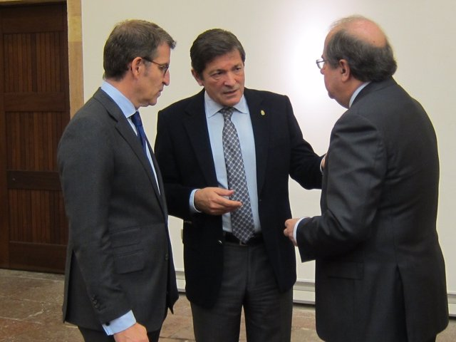 Los presidentes Alberto Núñez Feijóo, Javier Fernández y Juan Vicente Herrera
