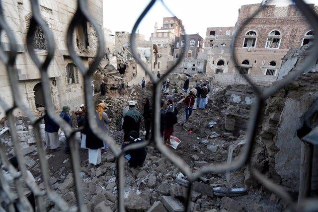 Ataque aéreo en Saná
