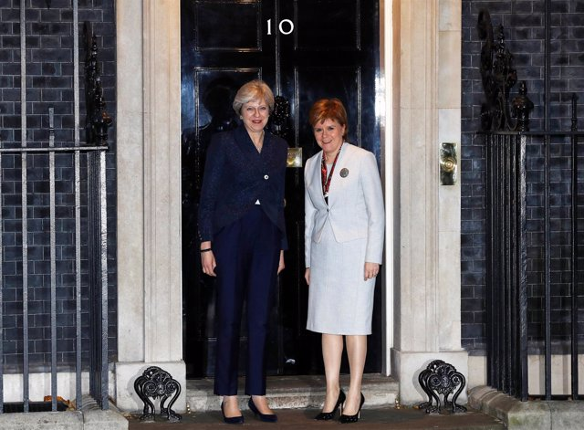 Theresa May y Nicola Sturgeon
