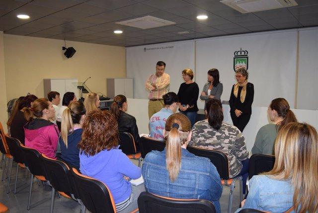 Una veintena de mujeres se forman en el sector agroalimentario en Gádor.