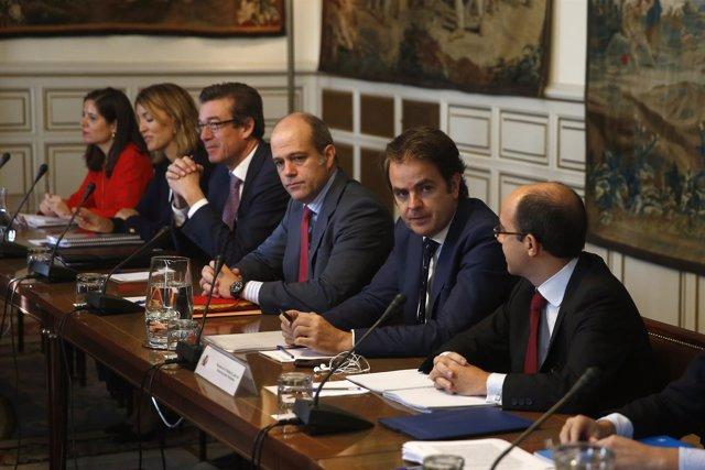 Bermúdez de Castro preside la reunión con los subsecretarios tras activar el 155