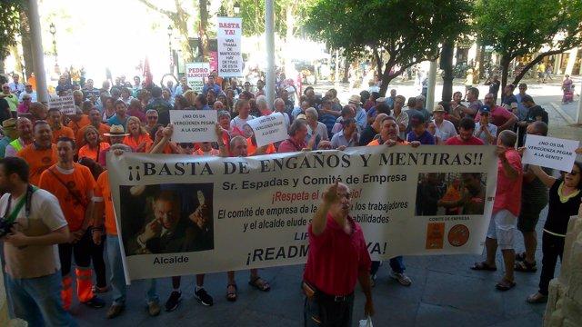 Protesta de los exeventuales de Lipasam.
