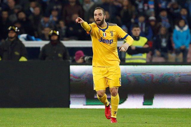 Gonzalo Higuaín celebra un gol con la Juventus